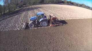 New Holland T7.200 Drilling Spring Barley 2015
