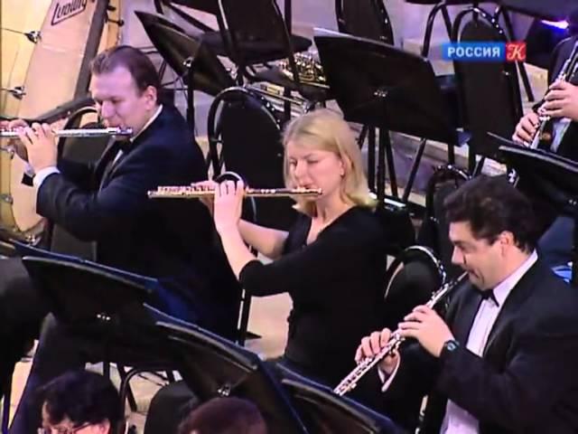 R. Schumann: Piano Concerto Op. 54. (Mov. 2 & 3)