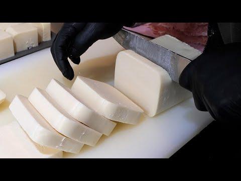 인천에서 유명한 치즈 돈가스 / thick mozzarella cheese pork cutlet / korean street food