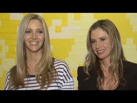 #Flashback Friday: Lisa Kudrow and Mira Sorvino Recall Their 'Favorite 'Romy and Michele' Memories
