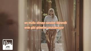 Ayla Celik   Aşık Oldum Giderken (SÖZLERİ & LYRICS)