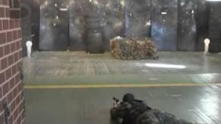 Акробатика с оружием  спецназа