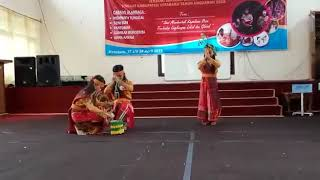 preview picture of video 'Peserta Lomba FLS2N tingkat Kab.Kotabaru  perwakilan dari Kec.Sungai Durian Dengan Tarian Adat Batak'