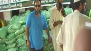 preview picture of video 'Isaar Trust International - Pakistan Floods 2010 - Food Aid'