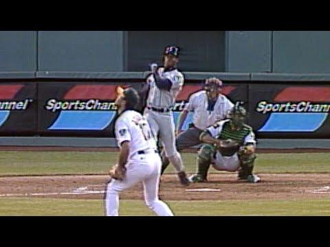 Griffey Jr. belts grand slam for 40th homer