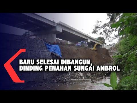 baru selesai dibangun dinding penahan sungai di proyek jembatan kedungkandang ambrol