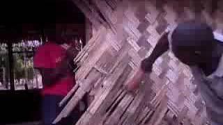 preview picture of video 'Race to build the bungalow! Peskarus, Vanuatu'
