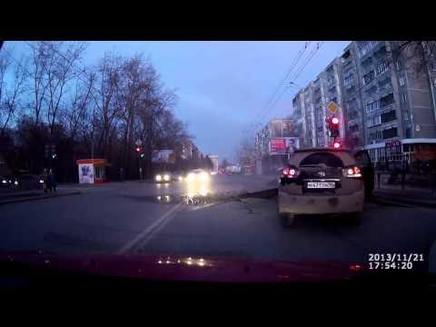 Erittäin vaarallinen onnettomuus tallentui auton videokameraan – tätä et ihan odottanut