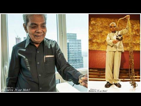 العرب اليوم - شاهد: صاحب أطول أظافر في العالم يقصها للمرة الأولى بعد 66 عاما