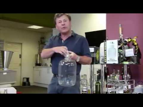 Different Options for Storing and Bottling Home Brew Wine