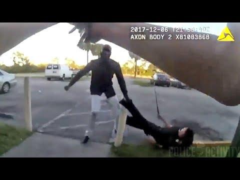 В США агрессивный афроамериканец напал на полицейского и был убит