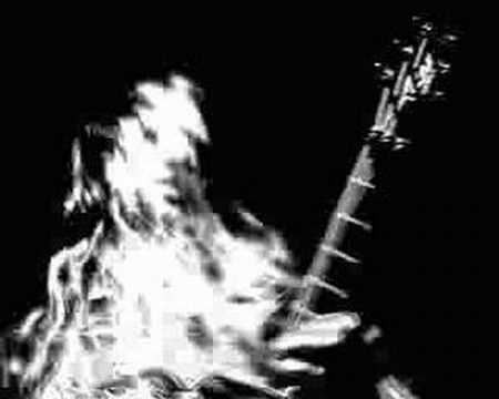 Música Disturbing The Dead