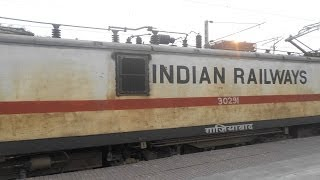 preview picture of video 'TREMENDOUS ACCELERATION BY THE GHAZIABAD WAP-7 HAULING POORVA'