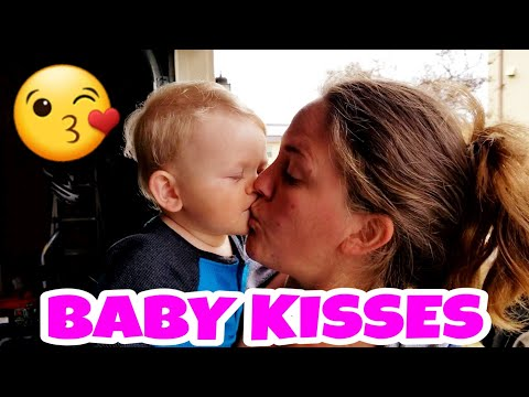 BABY BROOKS LEARNED HOW TO GIVE KISSES😘