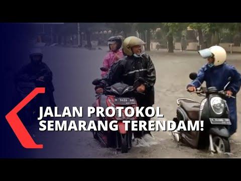 Jalan Protokol Semarang Terendam, Motor Alami Mati Mesin Saat Menerobos Banjir