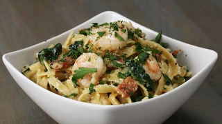 One-Pot Shrimp And Spinach Fettuccine Alfredo