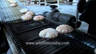 Amazing Chapati-making machine at Golden Temple, India