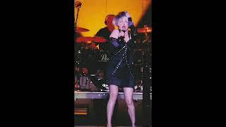 Cyndi Lauper - Dancing with a stranger (radio edit)