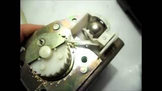 Три задних 3-точечных ремня безопасности с инерционными катушками