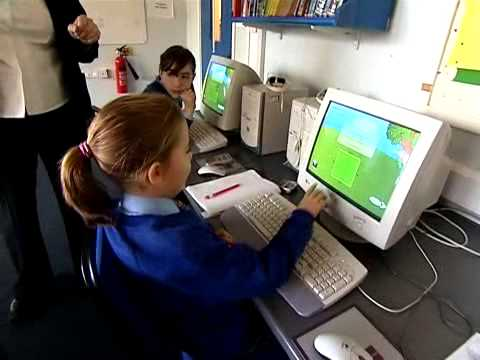 girl using Maths-Whizz online tutor