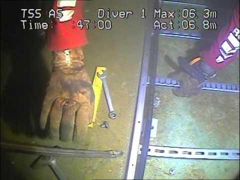 Bunnoppgradering av havlaboratoriet. Se undervannsvideo filmet av MARINTEKs dykkere.