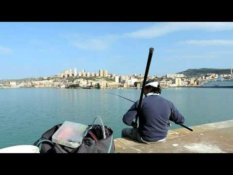 Pesca invernale di video che si diffonde uno zherlitsa