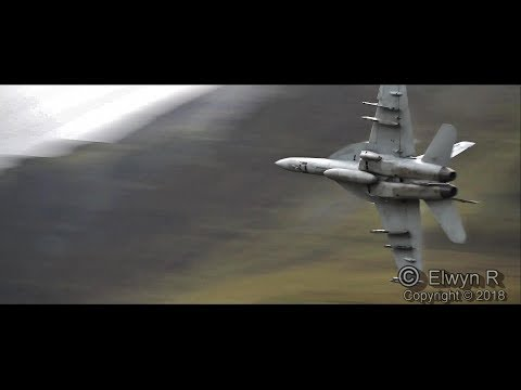 F18 Navy  Super Hornets  in the Mach Loop