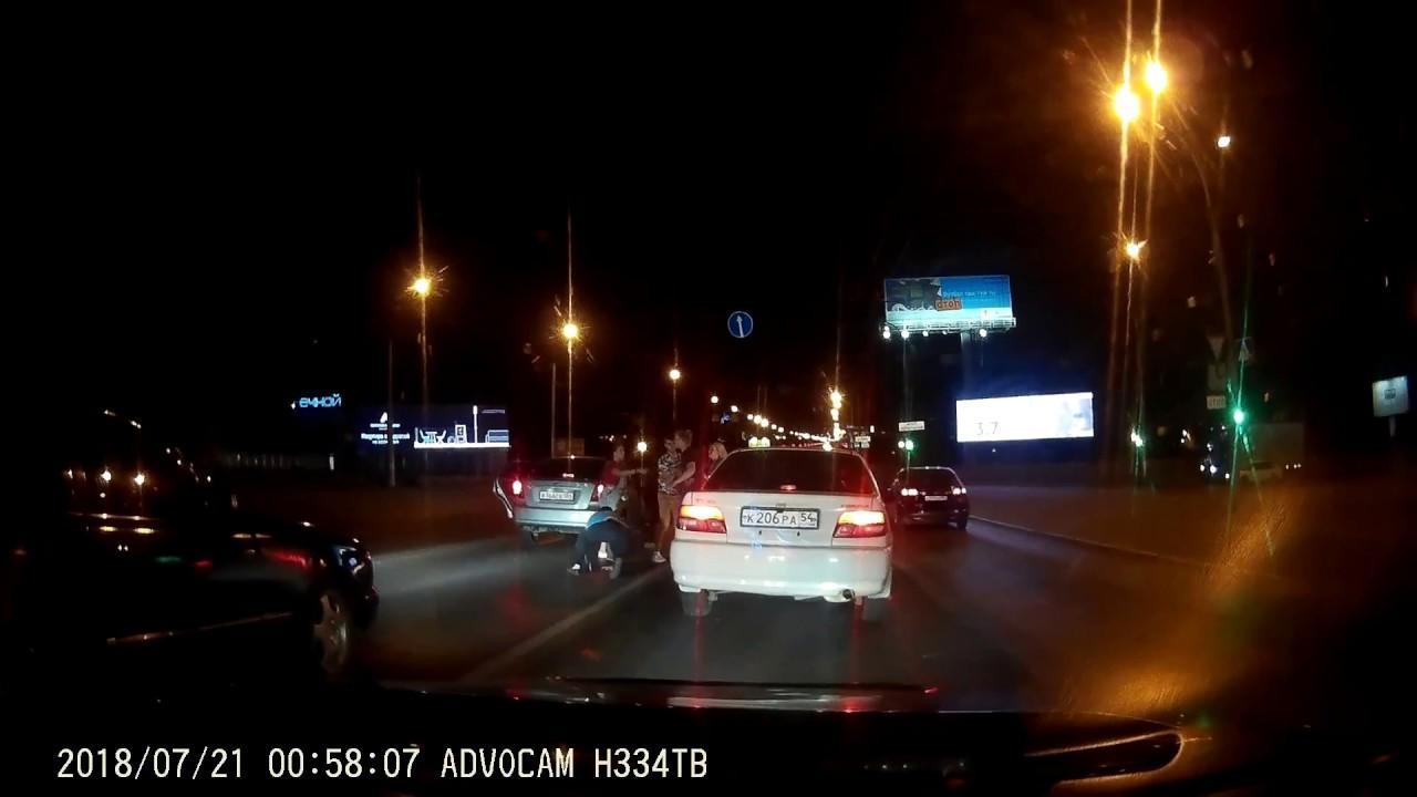 Массовая драка ночью на мосту в Новосибирске