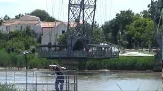 preview picture of video 'PONT TRANSBORDEUR ROCHEFORT FERRY BRIDGE'