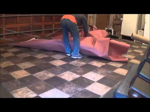 Kitchenette Remodel 2. The Final Touch. How to install a glueless linoleum floor, step by step.