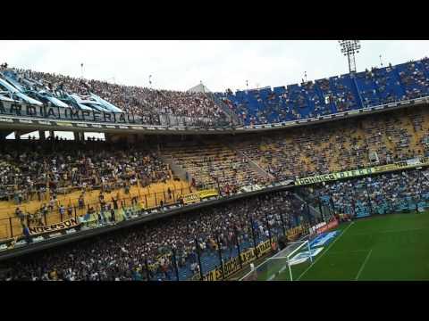 """""""No importa en que cancha juguemos"""" Barra: La Guardia Imperial • Club: Racing Club • País: Argentina"""