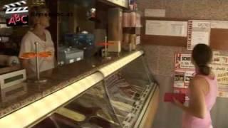preview picture of video 'Eissalon El Sendiouny OEG in Himberg bei Wien - Eiscafe, Eissalon, Eispizza, Eisspezialitäten'