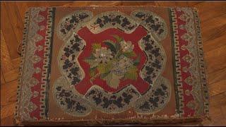 KECSKEMÉT KINCSEI - Ráday Múzeum: Térdeplő párna