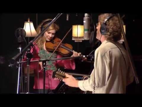 Alison Krauss, Sam Bush & Tony Rice - Sawing on the Strings