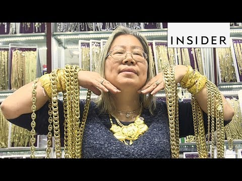 Hip Hop Stars Get Their Bling from This Woman