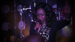 Newie - Mukhethwa (Live)