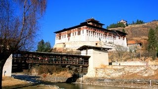 preview picture of video 'Paro - Bhutan's Gateway to the Outside World'