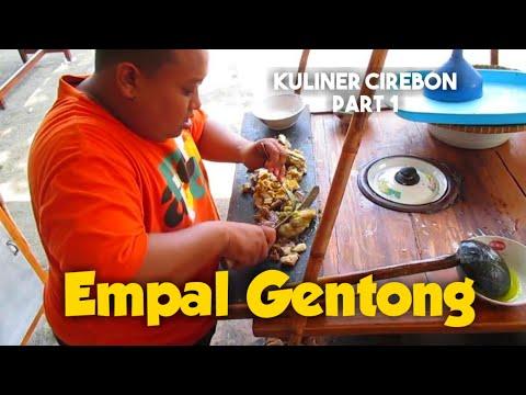 Video Nikmatnya makan empal gentong makanan khas cirebon di kantin pengrajin batik trusmi 2