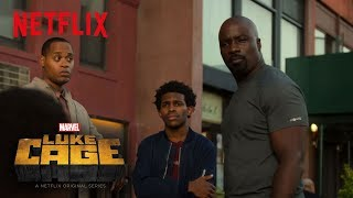 """Extrait """"Luke Cage Carries the Weight of Harlem"""" (VO)"""