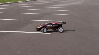 preview picture of video 'Traxxas E-Revo Brushless, trying 6S, killing Tyres, Big FUN'