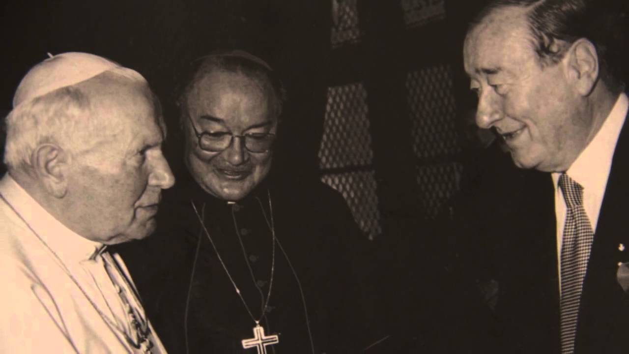 Sirio Maccioni Remembers Serving The Pope and Frank Sinatra thumbnail