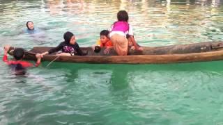 Die besten 100 Videos Wie man ein gekentertes Kanu aus dem Wasser holt.
