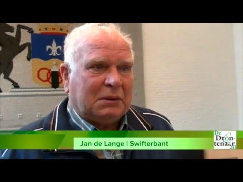 Jan de Lange overmand door emoties bij lintje | Video