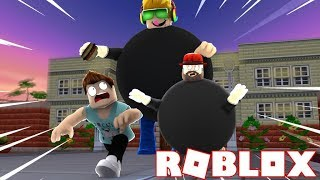 RUN FROM MR.CHUBS SIMAS OR HE WILL EAT US!!!! ROBLOX EAT OR DIE!