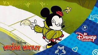 Pár svetrů. Pouze na Disney Channel!