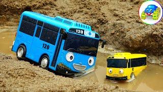 Crane Trucks, Toy Trucks Help Bus Passengers in Accident - Kid Studio