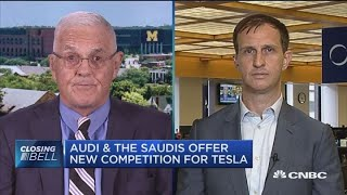 Tesla has no advantages over competing electric vehicle makers: Bob Lutz