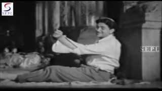 Chin O Arab Hamara Hindustan Hamara - Mukesh   - YouTube