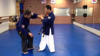 One Hand Wrist Grab Defense 18