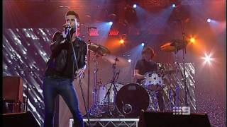 Maroon 5 - Never Gonna Leave This Bed LIVE @ LOGIES Aus [HD] 2011
